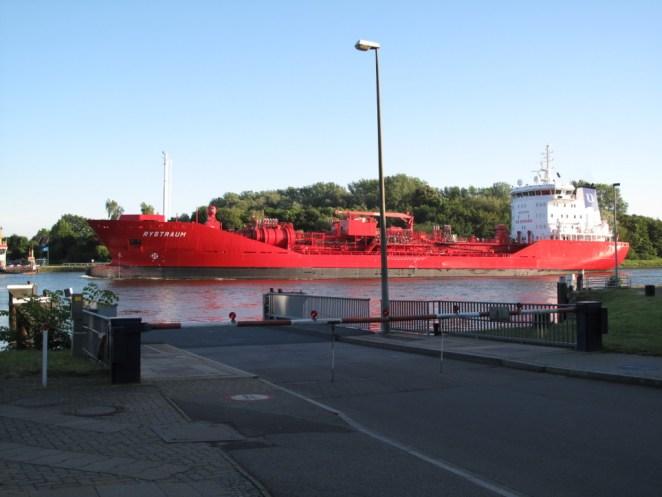 Schiffe gucken in Sehestedt