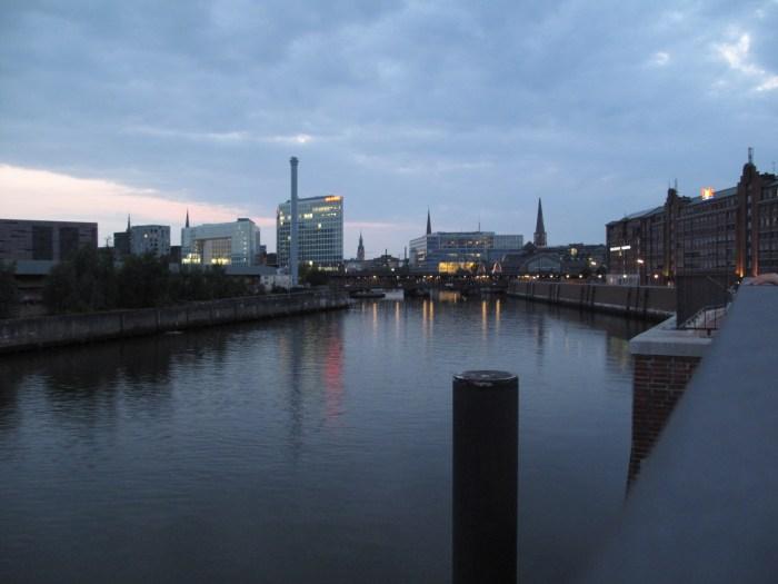 Blick vom Oberhafen auf Hafencity