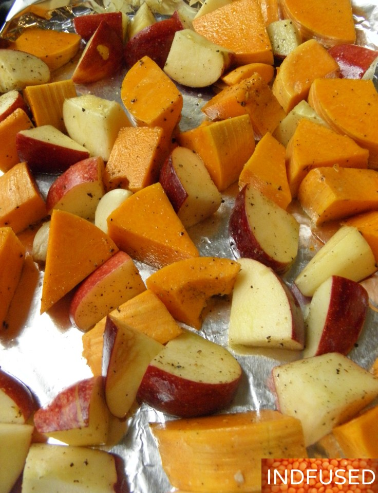 #Easy #recipe for #low calorie #velvety #butternut #squash #apple #bisque that is #elegant for the #holidays and #Christmas table. #recipe with #vegan and #vegetarian option