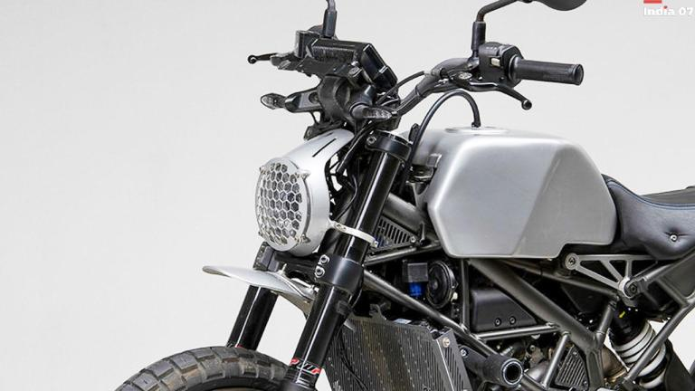 KTM 390 Duke Modified Into A Scrambler With 3D Printed Parts