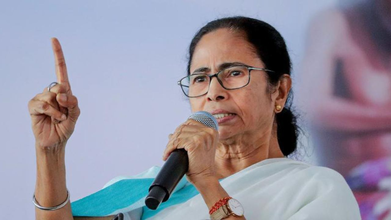 Pegasus Expose: Mamata Banerjee Govt Forms Commission to Probe Into Snooping Row