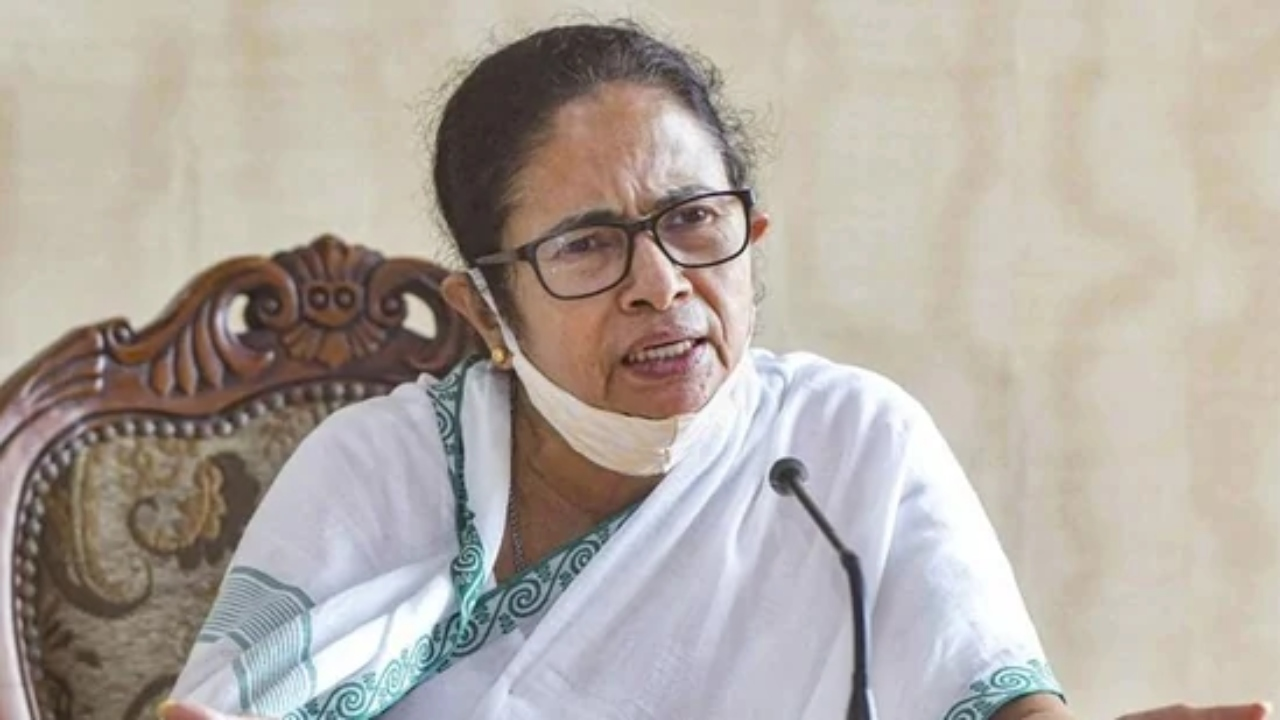 Mamata Banerjee to Meet Opposition Leaders in Delhi Today, LS Polls Likely on Agenda