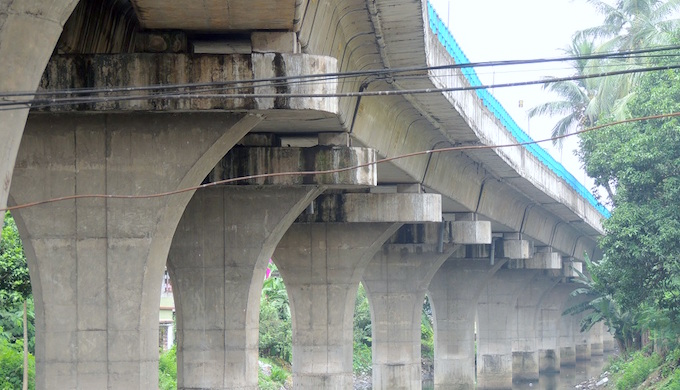 The Kolkata Metro tracks run over the Adi Ganga.
