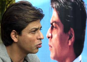 Homeland Security detains Shahrukh Khan