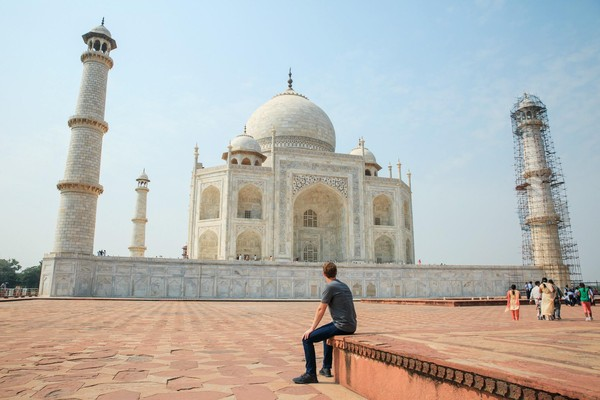 Facebook CEO Mark Zuckerberg Visited the Taj Mahal