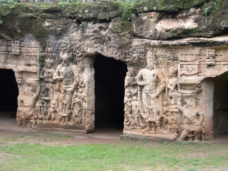 Khambhalida Caves (Image by Kaushik Patel/Flickr)