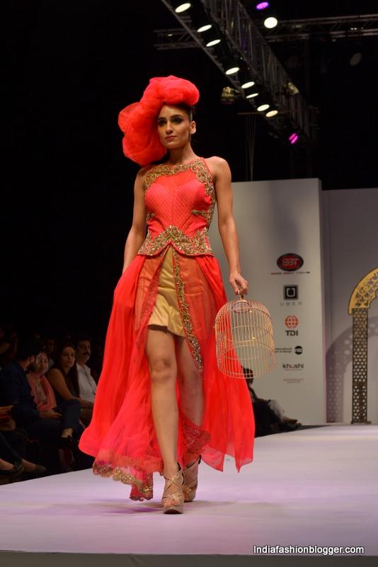 fashion show Liza paul