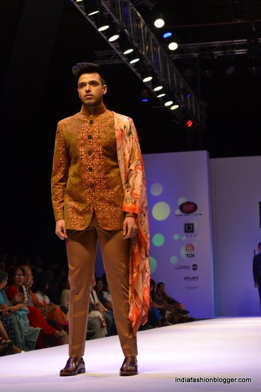 Manish gupta collections India Runway week
