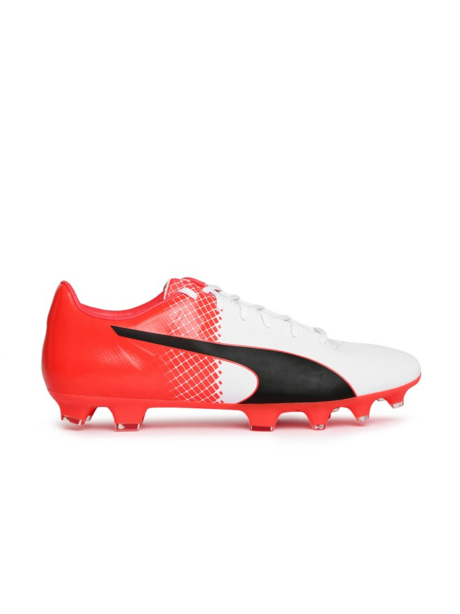 PUMA Men Black & White Printed Football Shoes At Just Rs 2599 Only - Myntra