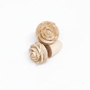 Aro White Rose