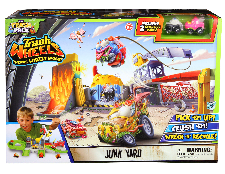 The Trash Pack Junkyard Playset