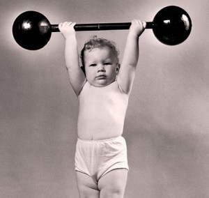 baby-lifting-weight