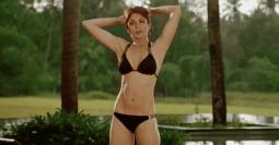 anushka bikini 10