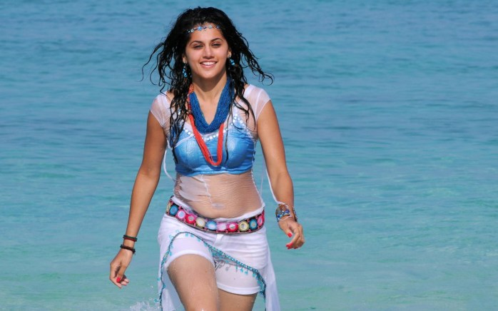 tamil-model-Taapsee-Pannu-hot-hd-wallpapers