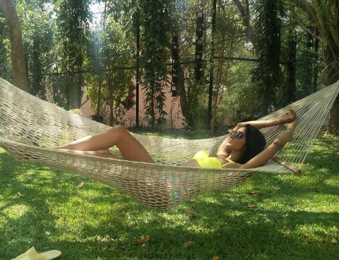 aishwarya sushmita.jpg hammock