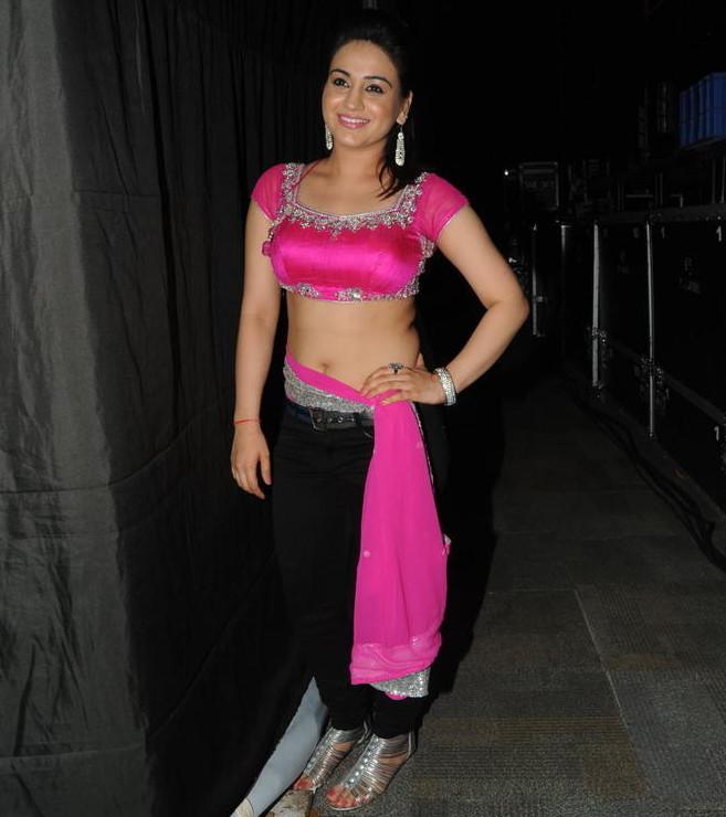 Aksha_018_Aadu Magaadra Bujji_Platinum_Western Dance