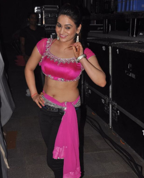 Aksha_029_Aadu Magaadra Bujji_Platinum_Western Dance
