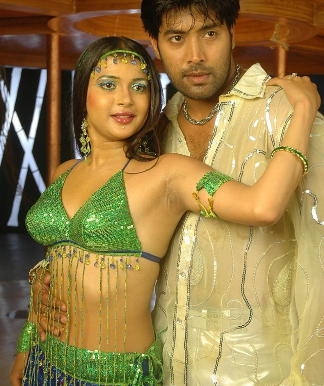 Nicole_003_Aaha entha andam_Sets_Item