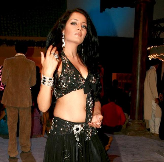 Celina Jaitley_011_MoneyHTHH Shoot