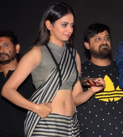 Rakul Preet Singh expose sexy midriff at tollywood event