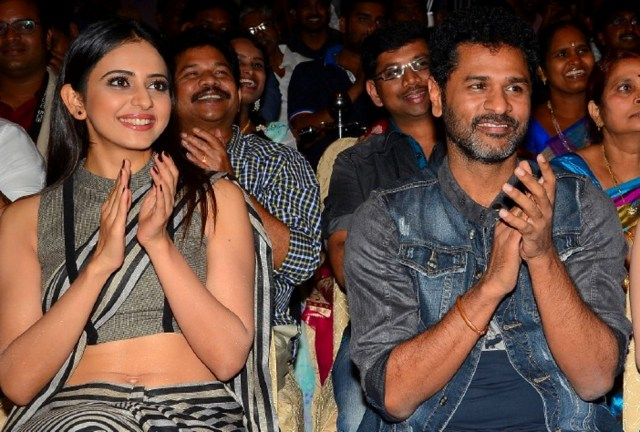 Rakul Preet Singh_015_Abhinetri Audio West Navel