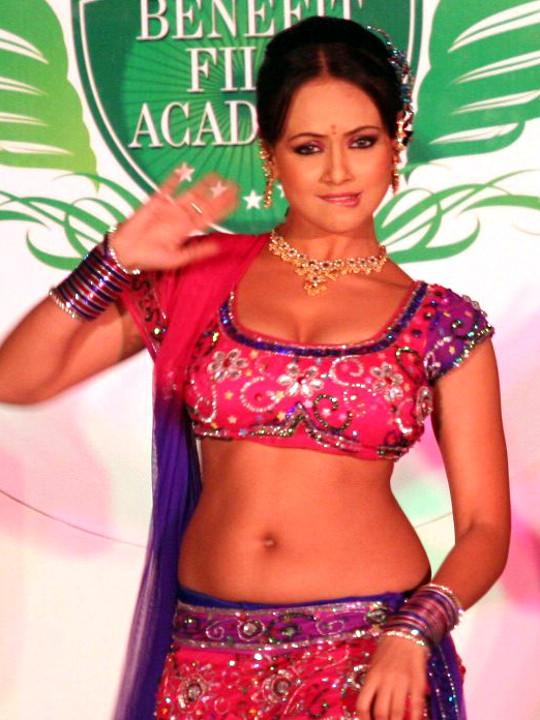 Sana Khan Sexy navel and cleavage show in lehenga choli