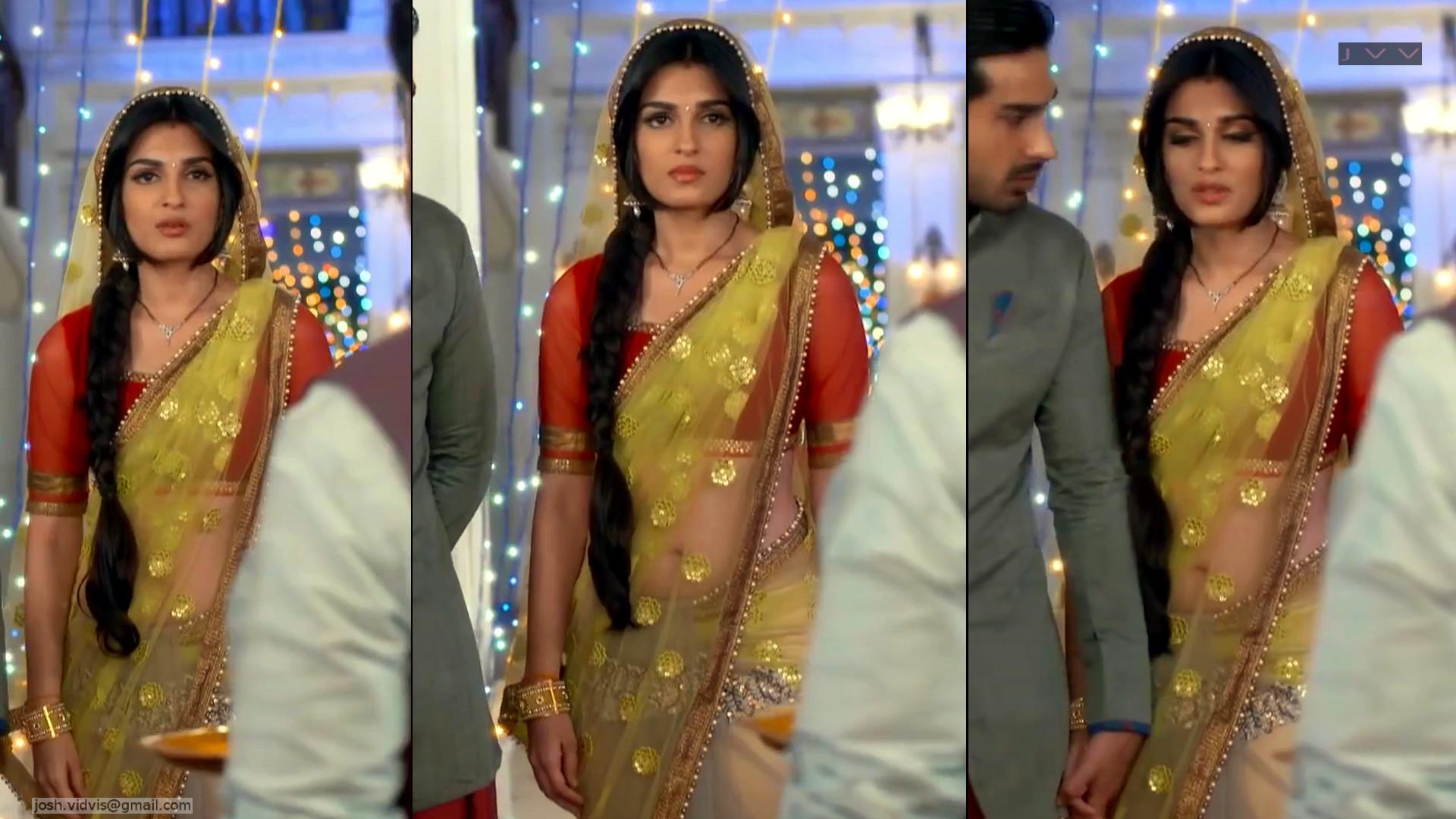 Shiny Doshi Desi TV actress navel show in transparent sari