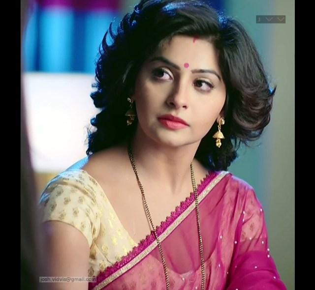 Yukti Kapoor_Hindi TV Actress_03_Hot Saree Stills