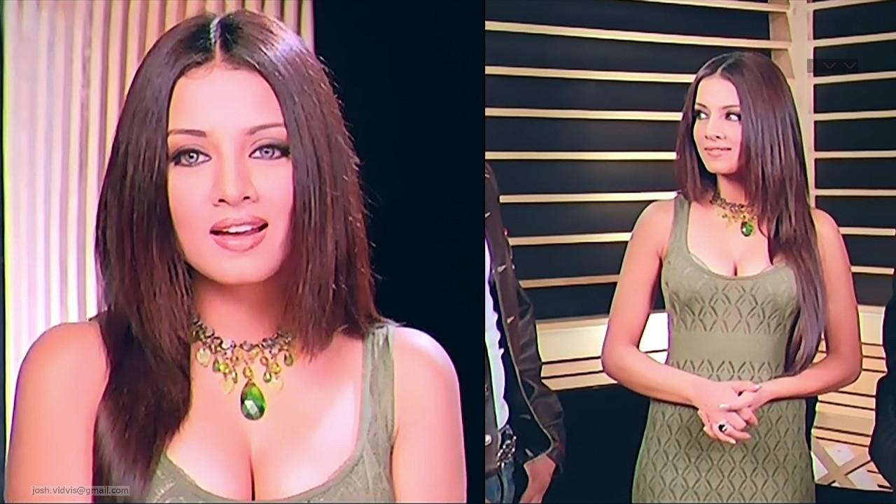 Celina Jaitley_Bollywood Actress_21_Hot movie stills