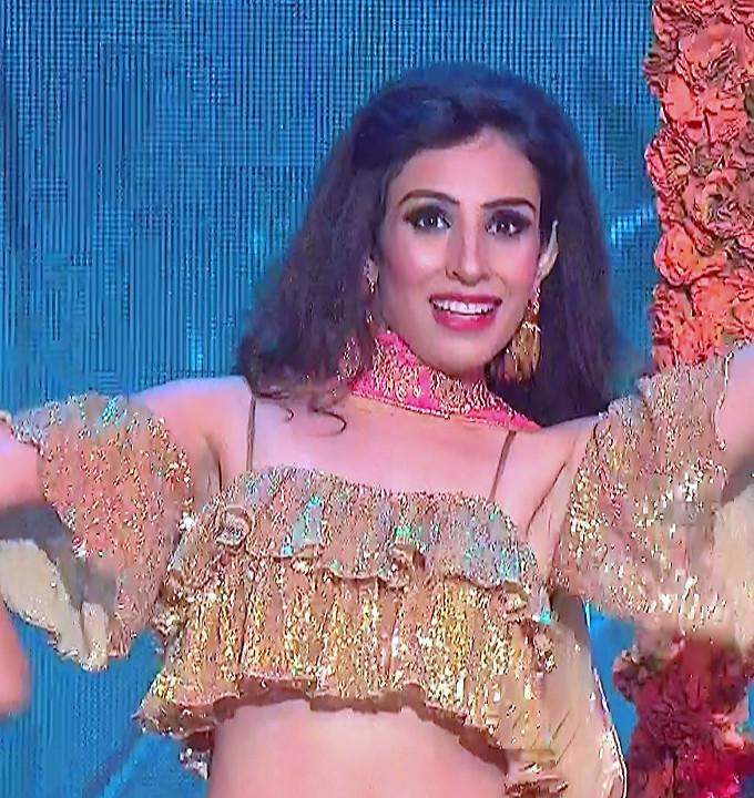 Simran Kaur_Hindi TV Actress_02_Dance Performance hot pics