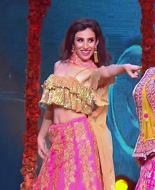 Simran Kaur_Hindi TV Actress_03_Dance Performance hot pics