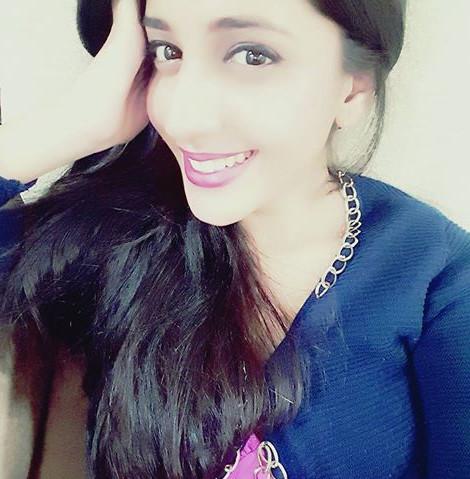 Simran PAreenja_TV Actress Hot Pics Gallery_08_Portrait