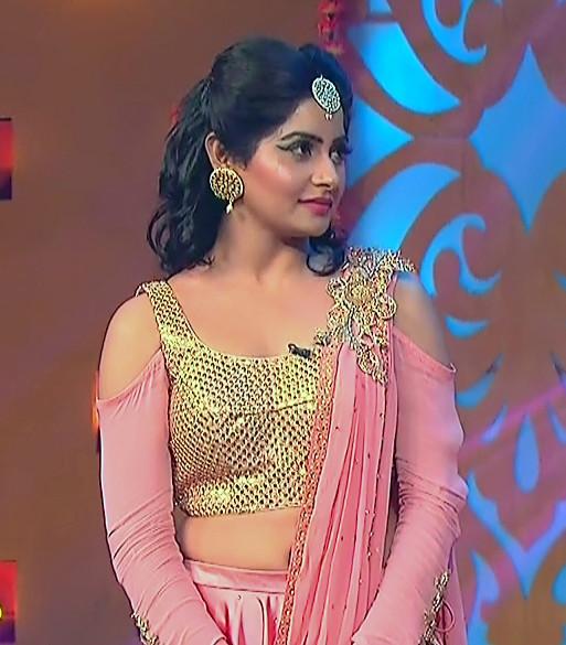 Yukti Kapoor_Hindi TV Actress_112_Lehenga Choli dance Pics