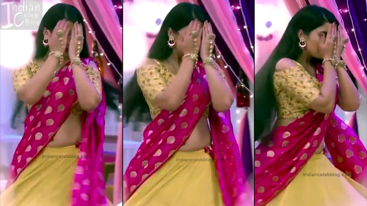 Aditi Rathore_Hindi TV Actress NaamK S3_3_Hot Romance Saree Pics