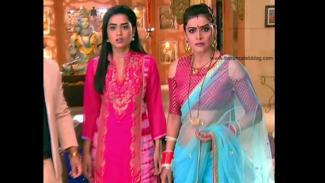 Ginnie Virdi_Hindi TV Actress_11_Hot backless saree navel pics