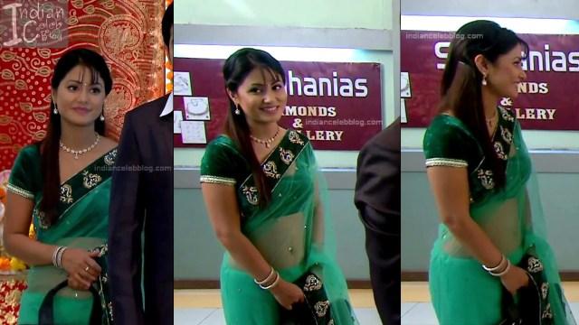 HinaKhan_Hindi TV Actress YRKKH S1_12_Hot Saree navel pics