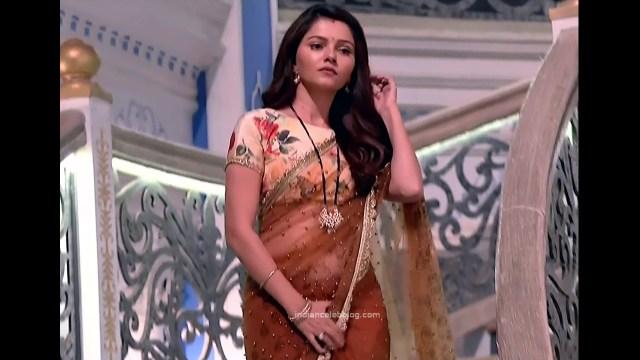 Rubina Dilaik_Hindi TV Actress_4_Hot Transparent saree navel pics