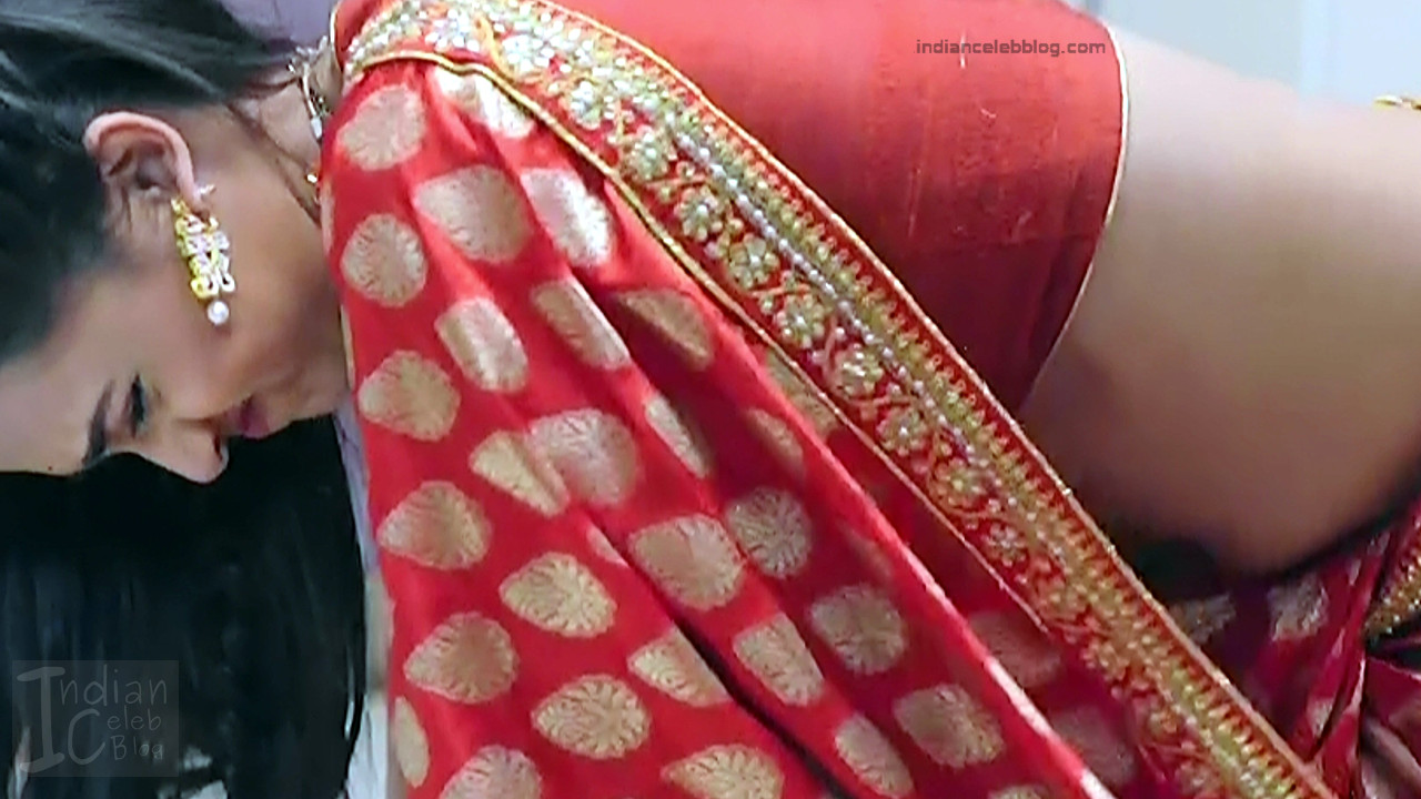 Tejaswi Prakash hot saree pics_RishtaLHN S2_3