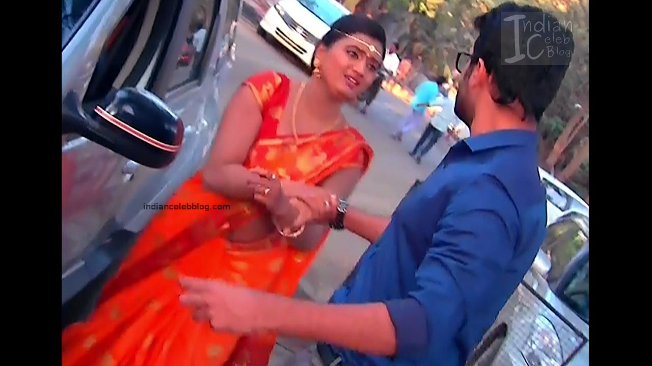 Telugu TV Actress_18_Hot Saree Pic