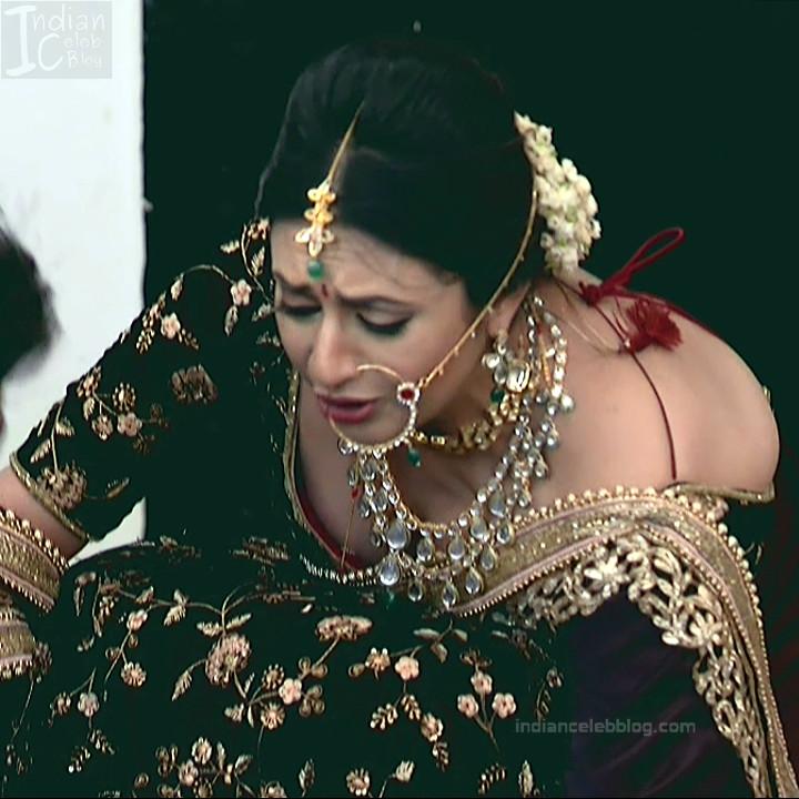 Divyanka Tripathi_Hindi TV Actress YehHM S2_13_Sari Photos