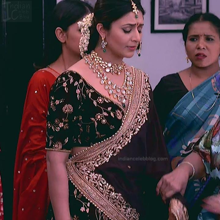 Divyanka Tripathi_Hindi TV Actress YehHM S2_18_Sari Photos