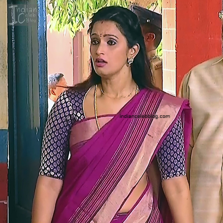 Kavya Shastry_Tamil TV Actress Mahalakshmi S1_7_Hot saree pics