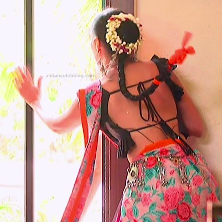 Surbhi Chandna_Hindi serial actress IB-S2_16_Hot navel pics