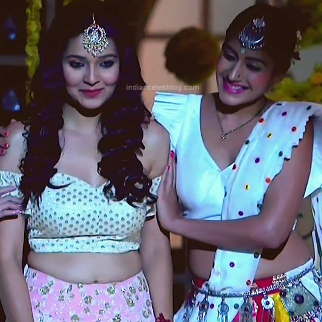 Surbhi Chandna_Hindi serial actress IB-S2_17_Hot navel pics