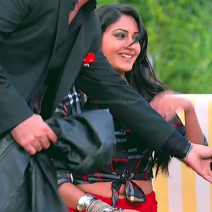 Surbhi Chandna_Hindi serial actress IB-S2_3_Hot navel pics