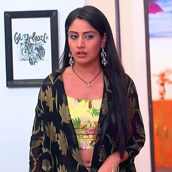 Surbhi Chandna_Hindi serial actress IB-S2_7_Hot navel pics