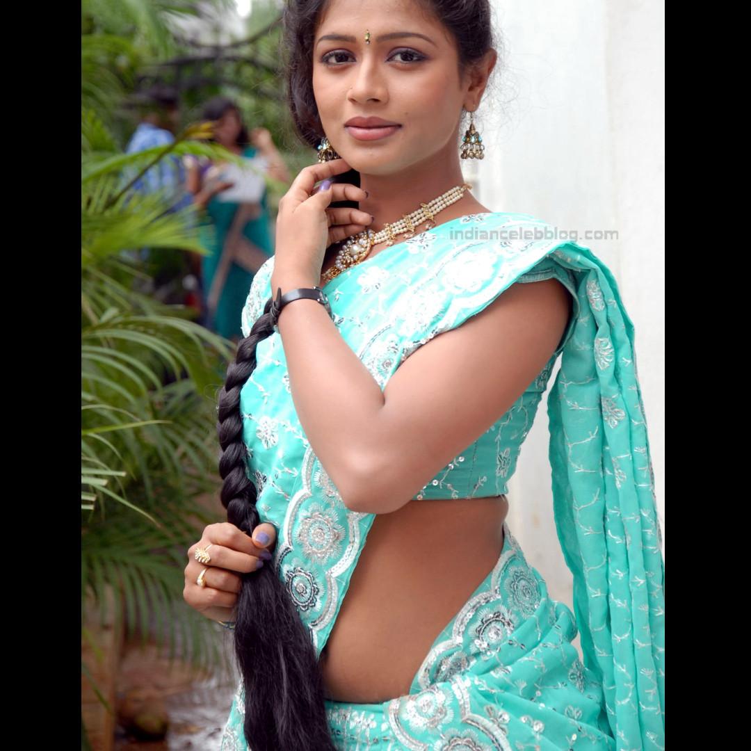 Anusri Telugu TV Actress Saree Photoshoot_21