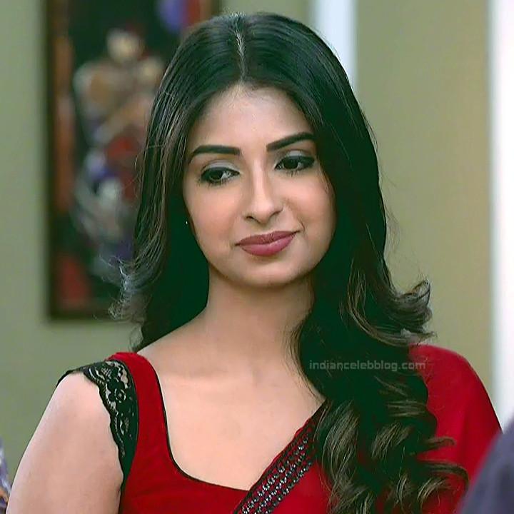 Avantika Hundal_Hindi TV Actress YehHM-S1_1_Hot Sari Pics