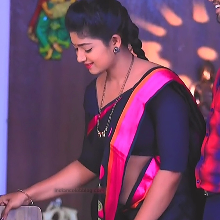 Bhoomi shetty kannada serial actress KinNS2 16 Hot saree photo