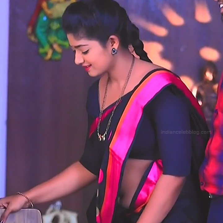 Bhoomi shetty kannada serial actress KinNS2 20 Hot saree photo